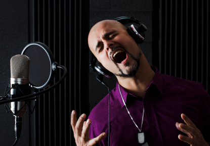 Vocal training software to improve voice dramatically